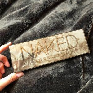 Urban Decay Naked Smokey Palette